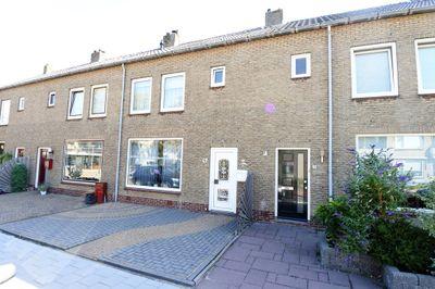 De Ruyterstraat 49, Maasdijk