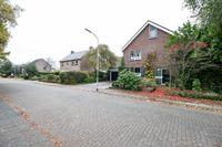 Waezenburglaan 104, Leek