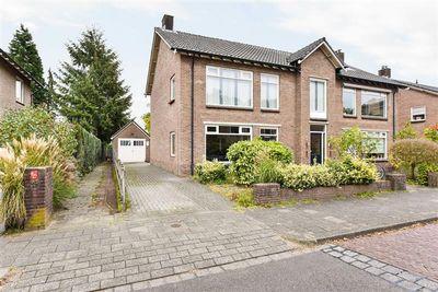 Staringlaan 7, Apeldoorn