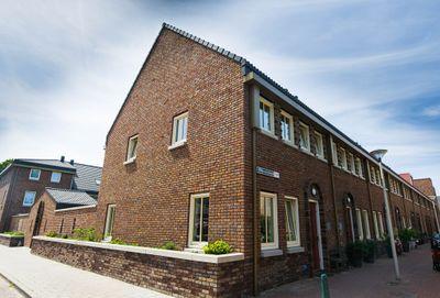 Rhijnesteinstraat 2, Den Haag