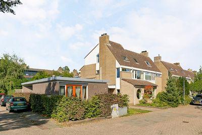 Tijmhof 50, Oosterhout