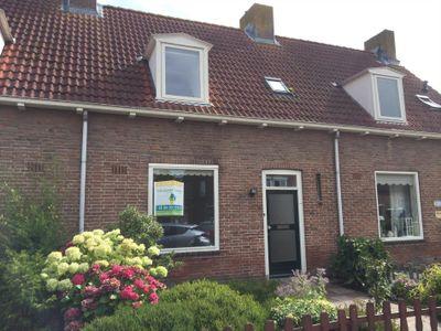 Emmastraat 4, Den Bommel