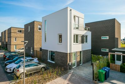 Iyohof 1, Almere