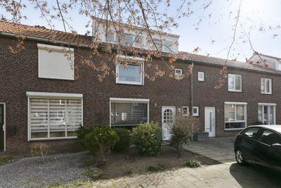 Wolfakkerstraat 12, Veldhoven