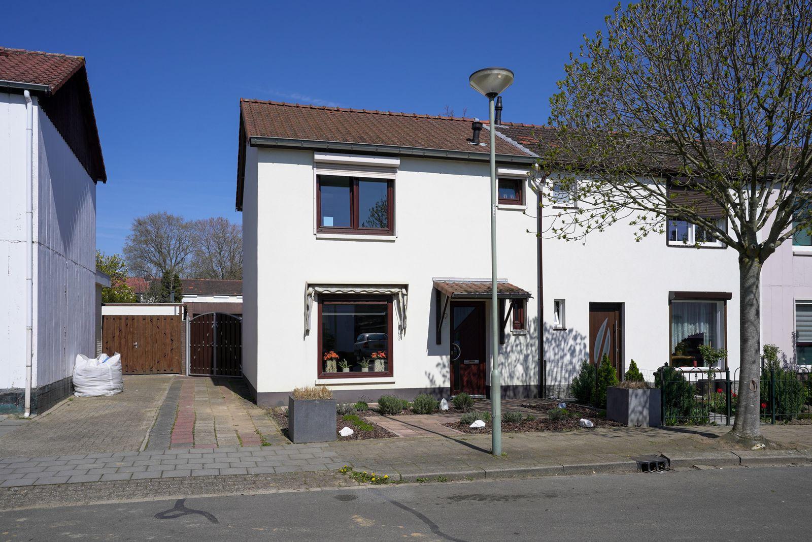 Dr. Ariensstraat 9, Geleen