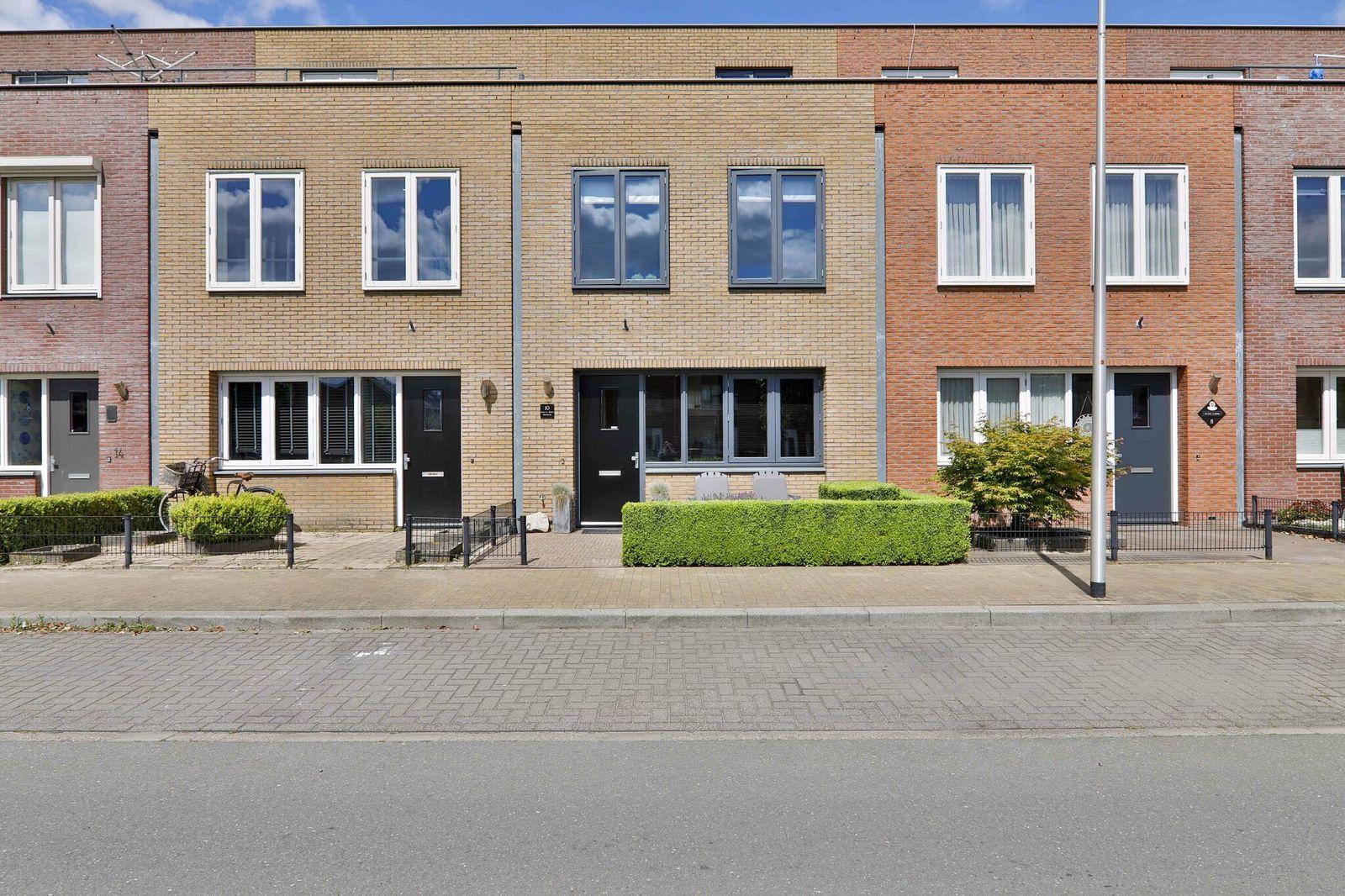 Rotsvlinder 10, Hoogeveen