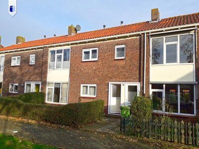 J.E. de Witstraat, Uitgeest