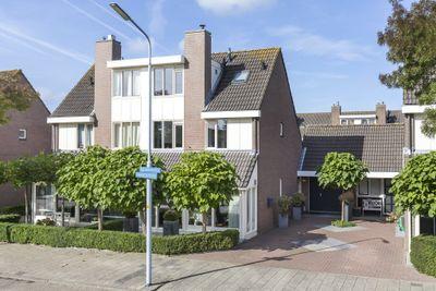 Beurtschipper 102, Nieuw-vennep