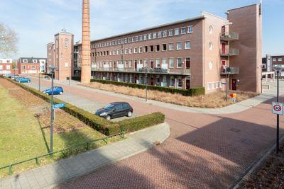 Julianastraat 42-C, Rijen