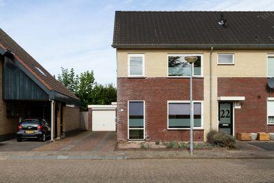 Kardinaal de Jongstraat 24, Groenlo