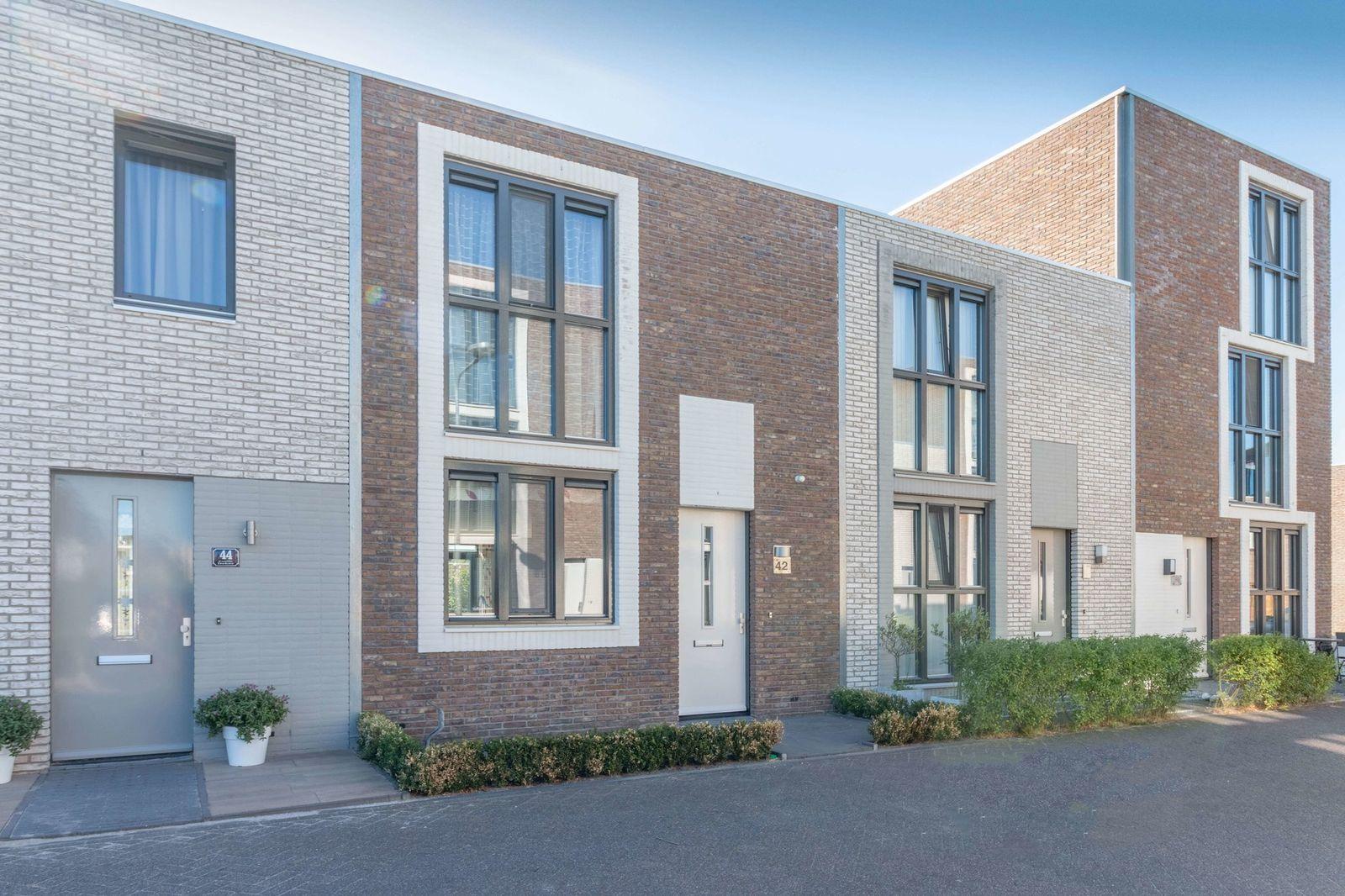 Iskurstraat 42, Almere