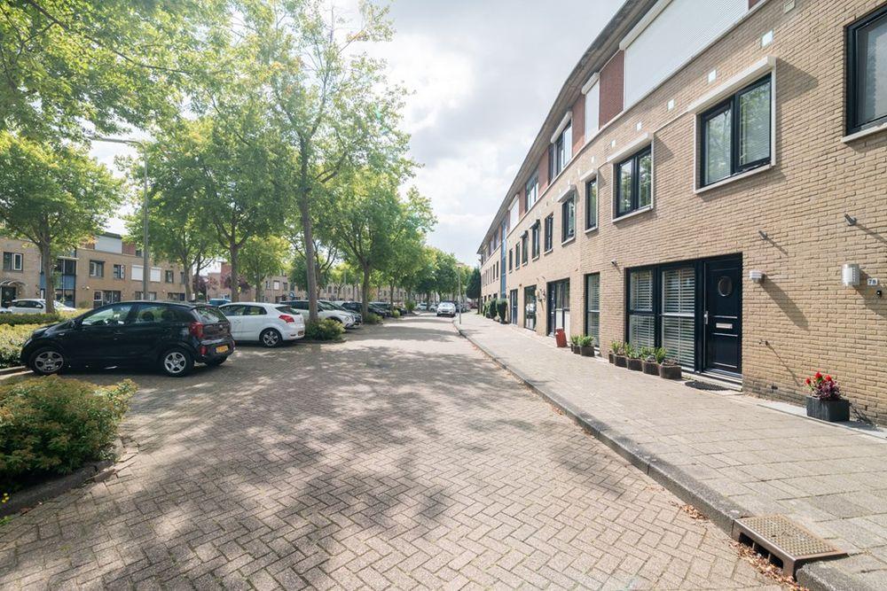 Beb Vuykstraat 82, Spijkenisse