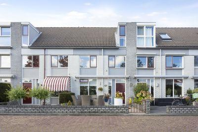 Oeverwal 28, Zaltbommel