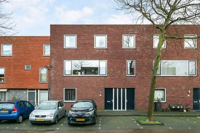 Montevideostraat 64, Den Haag