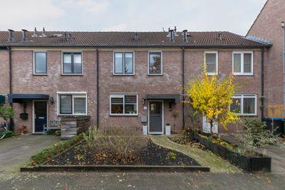 Prins Constantijnstraat 33, Beesd