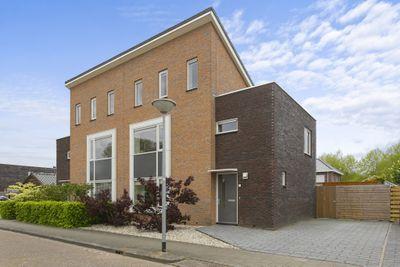 Brederolaan 27, Winschoten