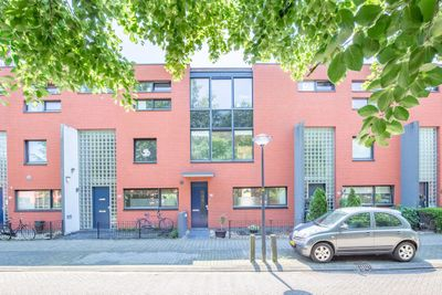 Barnsteenstraat 27, Almere