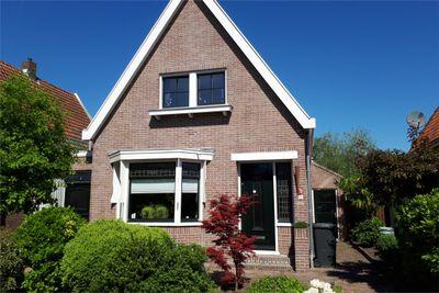 Kerkstraat 10, Oostzaan