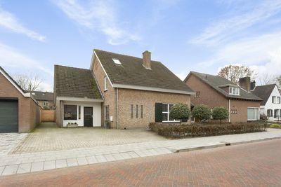 Pastoor Santfoortstraat 9, Gemert