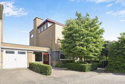 Pioen 27, Noordwijkerhout