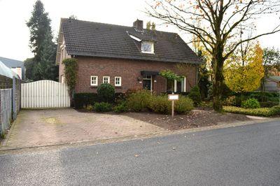 Groesweg 26, Maasbree