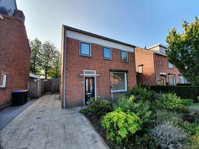Pastoor Kerckerstraat 43, Steenbergen