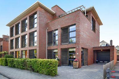 Overbeek 42, Noordwijk