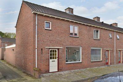 Nicolaas Peckstraat 24, Steenbergen