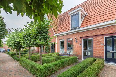 Aagje Dekenstraat 13, Sommelsdijk