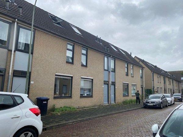 A.C.W. Staringstraat, Dordrecht