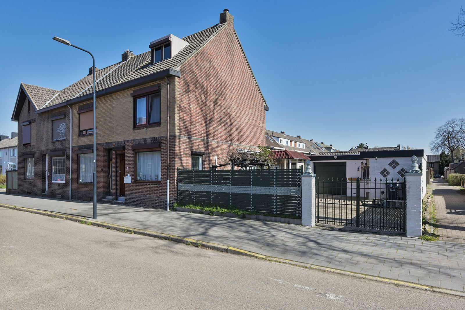 Sint Petrusstraat 5, Sittard