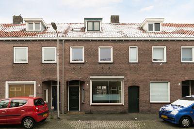 Deken Sandersstraat 8, Tilburg