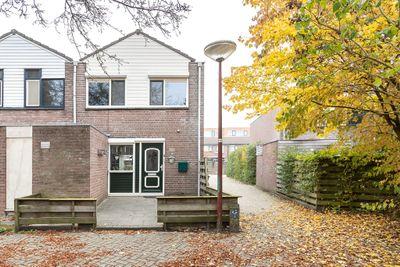 Koolmees 18, Nieuwegein