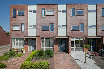 Wiardaplantage 8-a, Leeuwarden