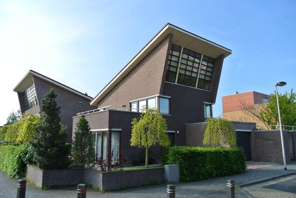 Aida 1, Kampen