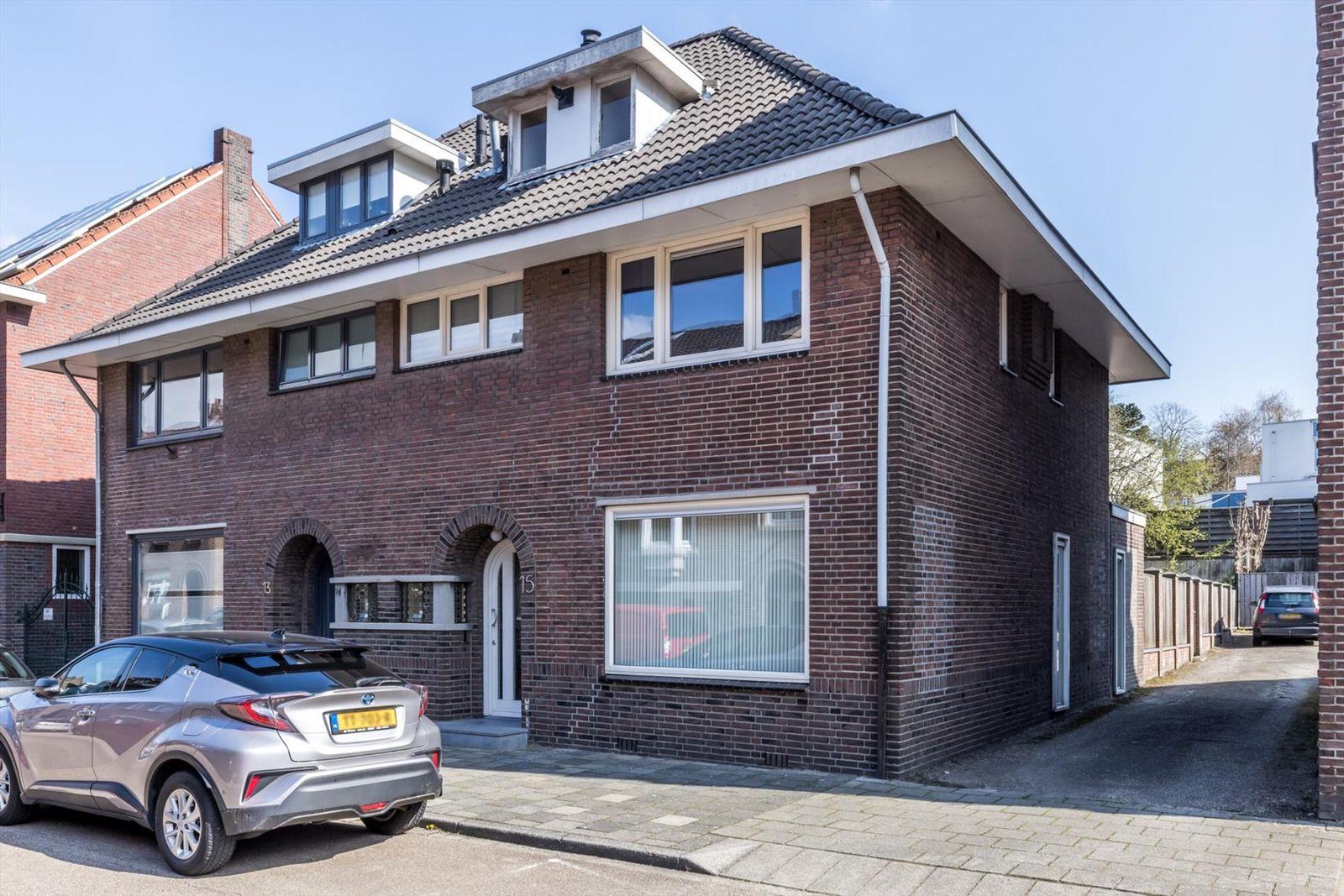 Buttingstraat 15, Hoensbroek