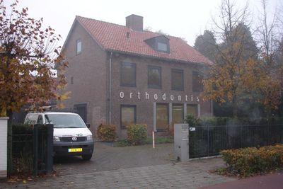 Burgemeester van Hooffln, Veldhoven