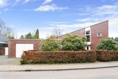 Sint Barbaraweg 8, Budel-Dorplein