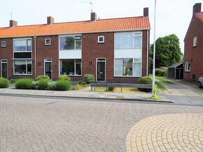 Erasmusstraat 7, Balk