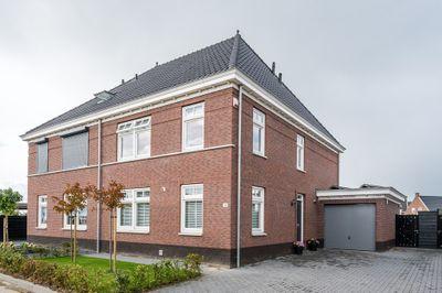 Amberlaan 4, Dirksland