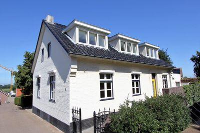 Bergstraat 2, Linne