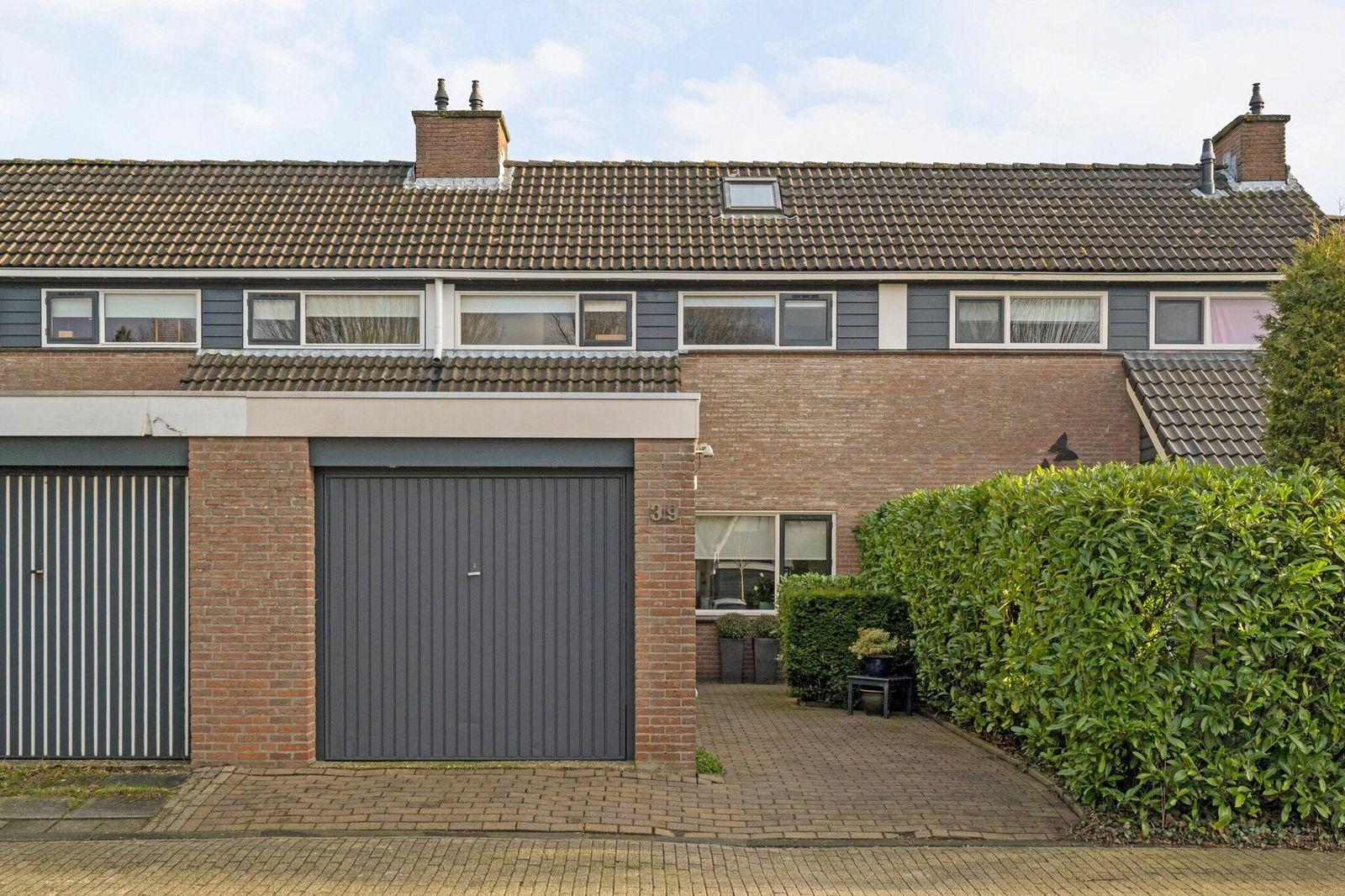 Taniaburg 39, Leeuwarden
