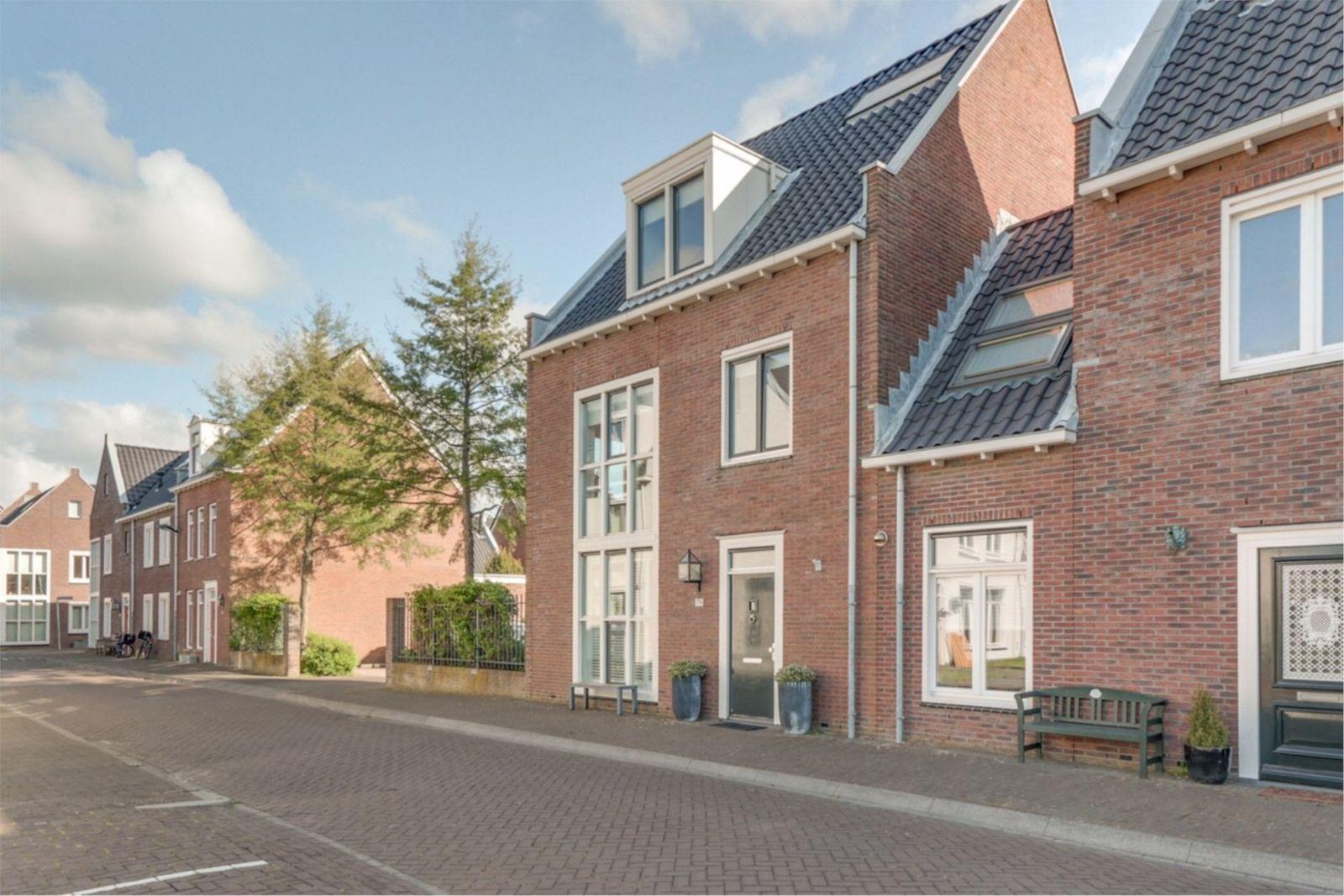 Watervliet 79, Hoofddorp