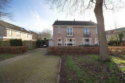 Nijvergouw 61, Almere
