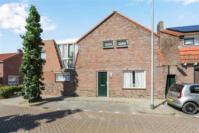 Pelikaanstraat 27, Tilburg
