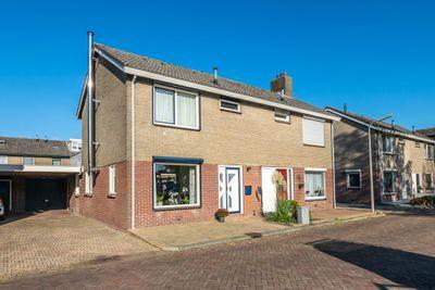 Montbretiastraat 16, Hoogeveen