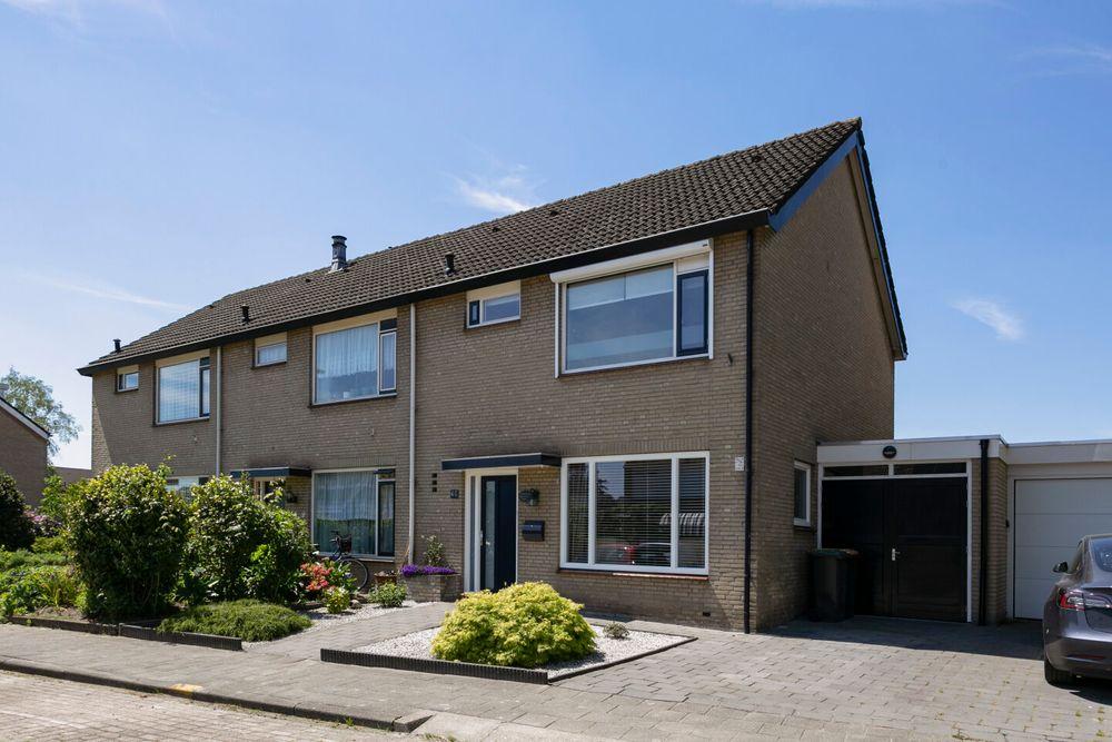 Oudlandsestraat 98, Steenbergen