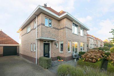 Nicolaas Beetsstraat 17, Sommelsdijk