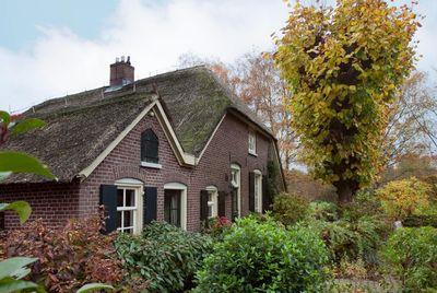 Looweg 1, Kring Van Dorth