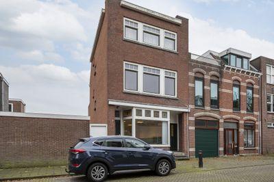 Van Beverenstraat 1, Schiedam